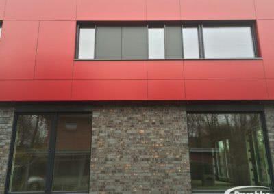 Farbige Fassade mit Rockpanel