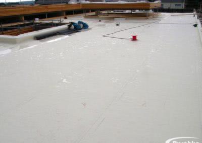 Kunststoffbahn Bauder Thermoplan-T während der Verlegung