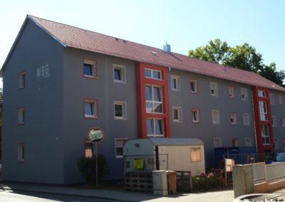 Dach eines Wohnblocks nach der Dachsanierung